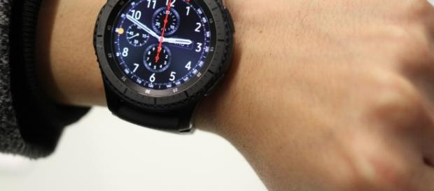 Samsung's Gear S3 goes a little too big | GadgetVibe - gadgetvibe.com