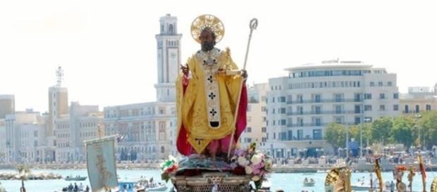 San Nicola sbarca sul lungomare