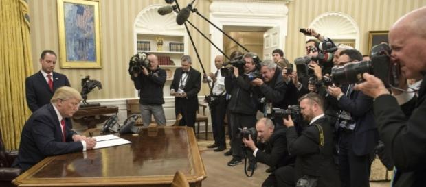 Trump has signed executive order for cybersecurity on Thursday. Photo courtesy of Blasting News.