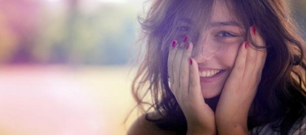Um estudo revelou alguns dos comportamentos que deixam as pessoas menos atraentes