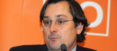 Mirada crítica: La Razón no defrauda a los tuiteros: Pasa de ... - blogspot.com