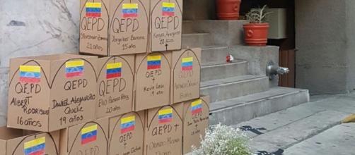 Así amanecen las embajadas de Venezuela en México y Colombia este ... - venezuelasincensura.com