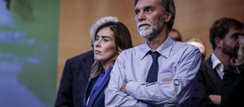 Banca Etruria: Renzi e Delrio intervengono per difendere la Boschi.