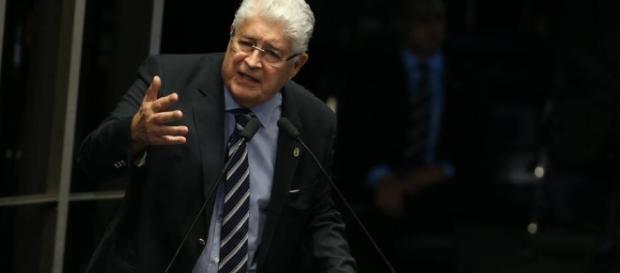 Roberto Requião, senador pelo PMDB-PR, quer exorcizar a reforma trabalhista