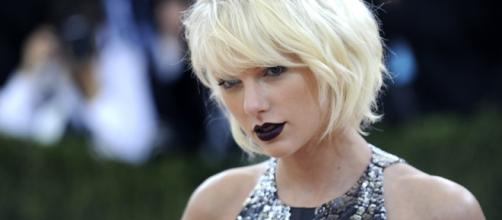 Cele|bitchy | Taylor Swift has been hiding out in Nashville ... - celebitchy.com