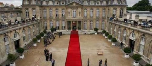 La passation de pouvoir aura lieu mardi à 10 heures à l'Elysée - rtl.fr