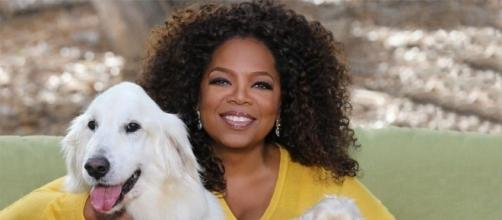 Oprah and her fur children - Photo: Blasting News Library - thethings.com
