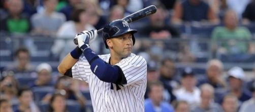 Photo: Yankees' Derek Jeter | fansided.com (sourced via Blasting News Library)
