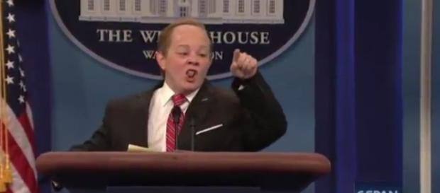 Melissa McCarthy as Sean Spicer, via Twitter