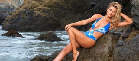 Kelly Rohrbach promotes 'Baywatch' - si.com/swim-daily/2015/02/28/kelly-rohrbach-wins-2015-si-swimsuit-rookie-year-award