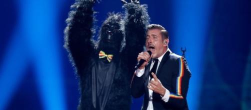 Eurovision Song Contest, Francesco Gabbani è arrivato solo sesto. E dalla BBC accuse poco lusinghiere nei suoi confronti
