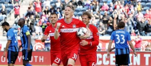 "Bastian Schweinsteiger hails Mourinho's ""character"" after Man Utd ... - squawka.com"