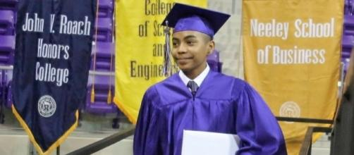 Graduate, 14, youngest ever at Texas Christian University - Image wjla.com