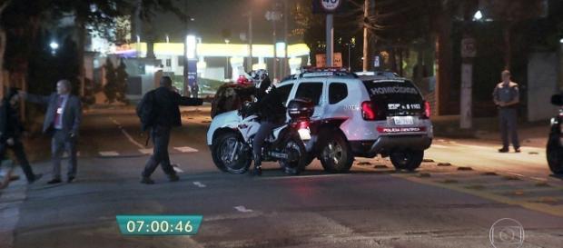 Ladões de carro se dão mal após assaltarem mulher em SP