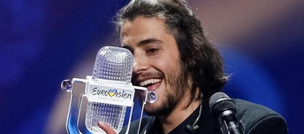 Salvador Sobral de Portugal gana el concurso Eurovisión - com.mx
