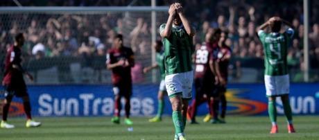 In foto la disperazione dei calciatori dell'Avellino