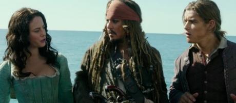 Pirates of the Caribbean: Dead Men Tell No Tales' New Trailer ... - yahoo.com