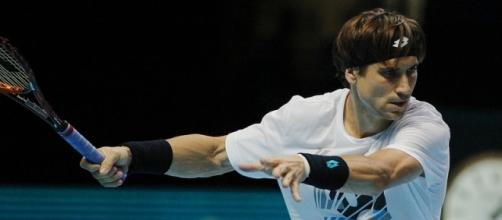David Ferrer preparing to hit a forehand shot. Photo by Marianne Bevis -- CC BY-ND 2.0