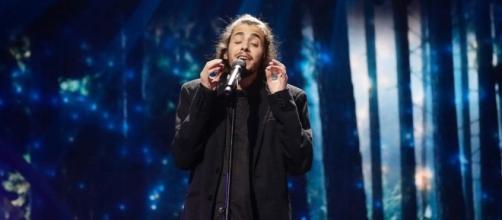 El drama de Salvador Sobral, el portugués que cantará a la espera ... - elespanol.com