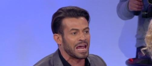Gianni Sperti, pesanti critiche rivolte a Desirée Popper - baritalianews.it
