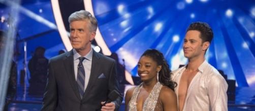 Simone Biles and Sasha Farber eliminted from 'Dancing with the Stars.' - Photo: Blasting News Library - tigerbeat.com