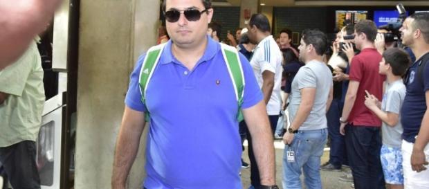 Alexandre Mattos retornando de viagem