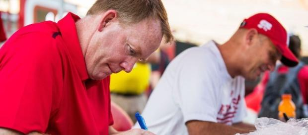 Shawn Eichorst tells Elkhorn Husker Tour stop he envisioned Mike ... - omaha.com