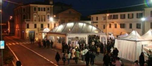 Bomporto nel pieno del fervore cittadino in Piazza Roma