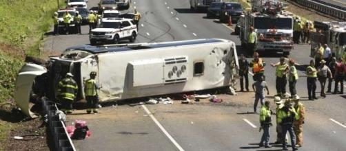 Bus with 26 kids and 3 adults overturns on I-95 ... Image- stamfordadvocate.com