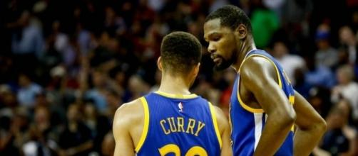 Golden State Warriors: 5 Problems With The Super Team In Oakland - hoopshabit.com