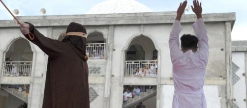 L'Indonesia della sharia: frustate pubbliche nell'Aceh islamica ... - panorama.it