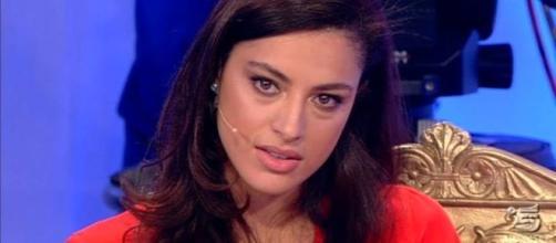 """Uomini e Donne, Alessandro Calabrese contro la Popper: """"Falsa e ipocrita"""""""