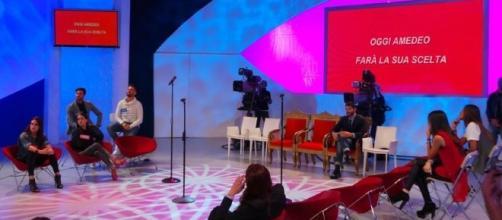 Uomini e Donne, puntata del 28 ottobre [DIRETTA LIVE]   Televisionando - televisionando.it