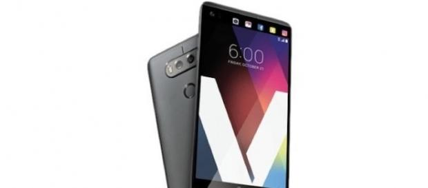 LG V30 Secondary Display Rumored To Not Have A Ticker: Something ... - techtimes.com