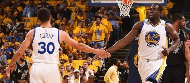 Los Warriors viajan a San Antonio con 2-0 (vía Twitter - Golden State Warriors)