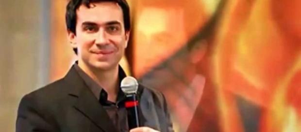 Padre Fábio de Melo faz revelações sobre si mesmo em entrevista (Foto: Reprodução)