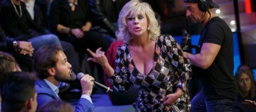 SELFIE: RISSA TRA DE MARTINO E PAMELA PRATI, LEI ABBANDONA LO ... - davidemaggio.it