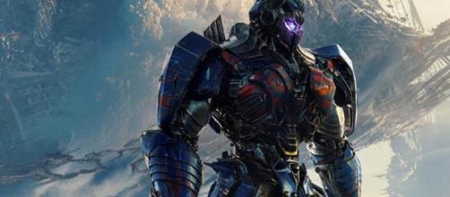 Transformers: The Last Knight Cinemacon Footage Described As A ... - cosmicbooknews.com