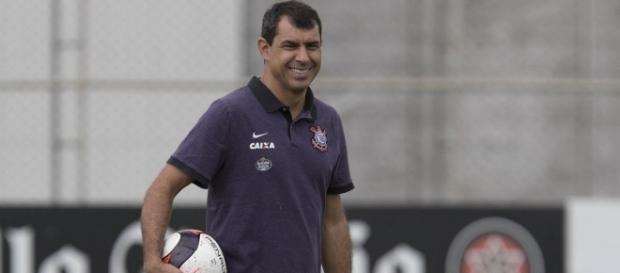 Fábio Carille está próximo de contar com dois retornos (Foto: Daniel Augusto Jr./Ag. Corinthians)