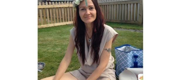 Katie decidiu tratar seu câncer de mama com terapias alternativas, contrariando amigos e parentes