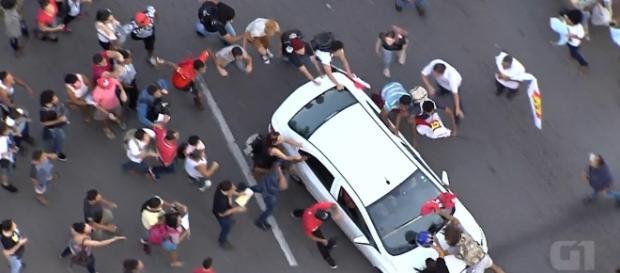 Motorista atropela manifestantes que pediam a renúncia de Temer