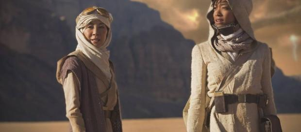Sonequa Martin-Green and Michelle Yeoh on 'Star Trek: Discovery'. / from 'Geek Tryant' - geektyrant.com