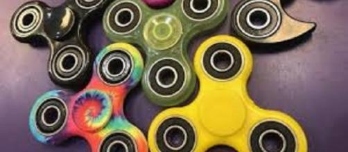 Fidget spinner, cos'è e come si usa