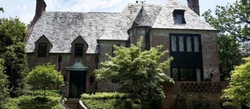 Obamas new Washington property/photo via Today Extra News - bplaced.com