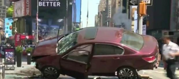 Car Rams Into Pedestrians in NYC's Times Square, Killing at Least ... - nbcnews.com