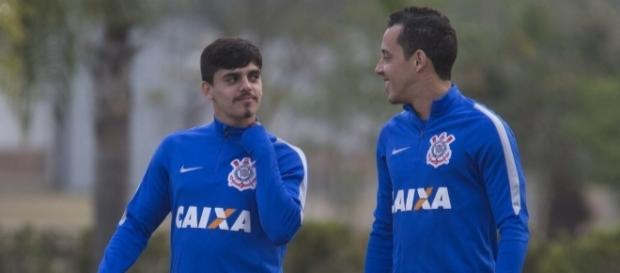 Fagner e Rodriguinho vão desfalcar o Corinthians