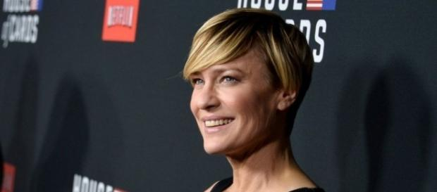 Robin Wright: A movie star and a maths expert fight for equal pay ... - bbc.com
