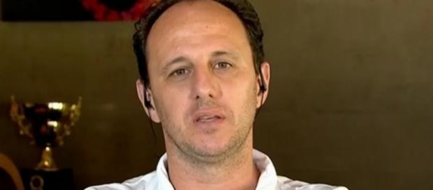 Rogério Ceni busca jogadores para qualificar elenco