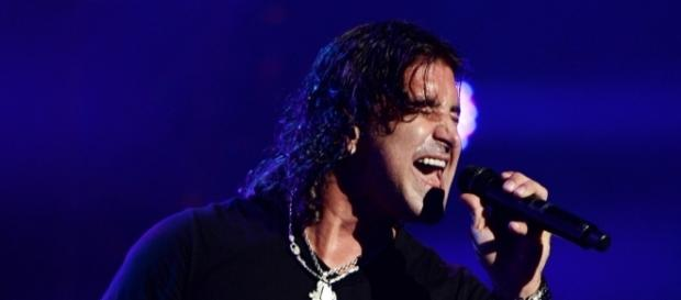 "Scott Stapp honors Chris Cornell with moving ""Black Hole Sun"" chorus in Pennsylvania- loudwire.com"