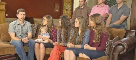 Duggar Family 'Moving On' After Josh Duggar Scandal - ABC News - go.com